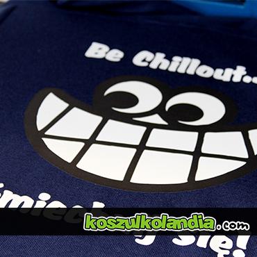 nadruk z uśmiechem uśmiech be chillout na koszulce gildan